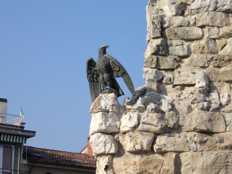 monum bussol bussolengo restauro monumento